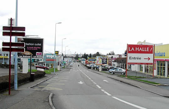 Le Mans : Vente de locaux commerciaux zone commerciale de la Chapelle-Saint-Aubin