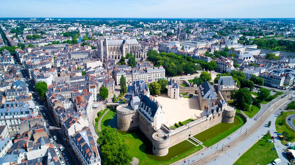 Nantes : Une SCPI acquiert des murs loués à la Caisse d'Epargne