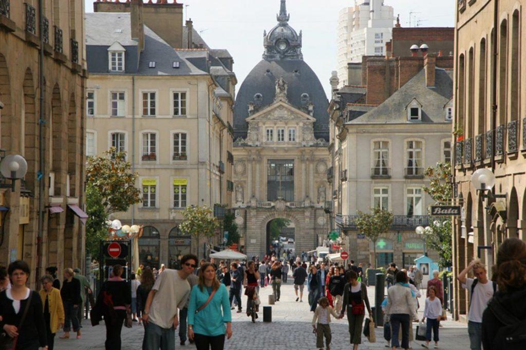 Rennes : Vente d'un pied d'immeuble avenue Henri Fréville