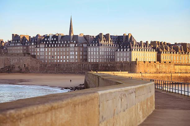 Saint-Malo : Un investisseur privé acquiert des locaux loués à Sonepar