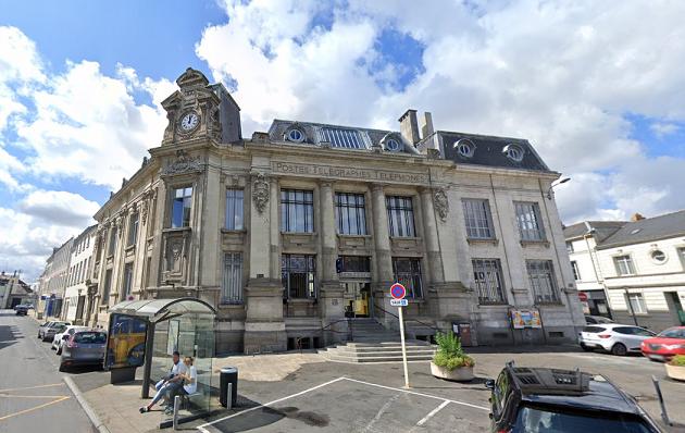 La Poste Saumur1